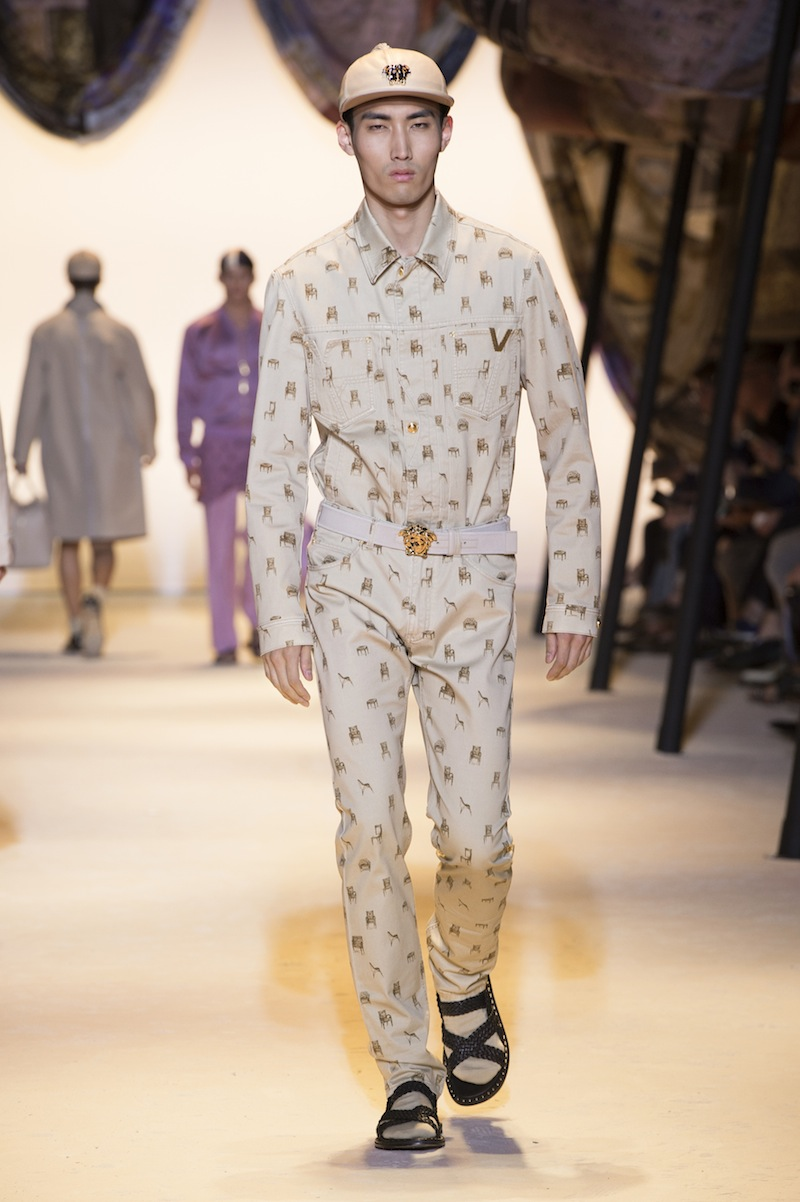 e6676cbc040 VERSACE – Spring Summer 2016 (Men)