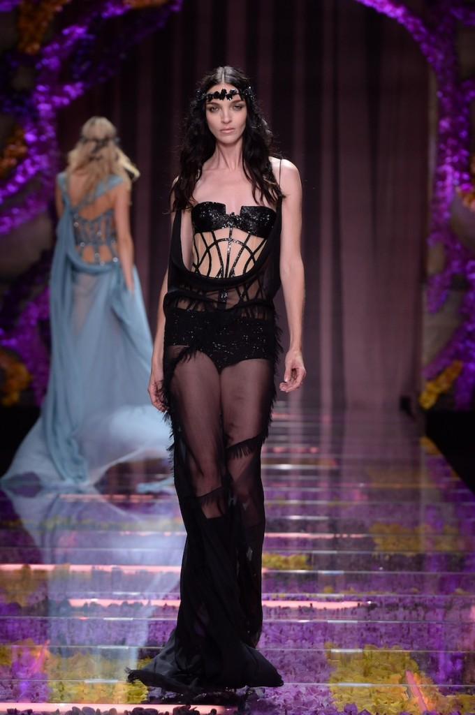 ATELIER VERSACE - Fall Winter 2015/16